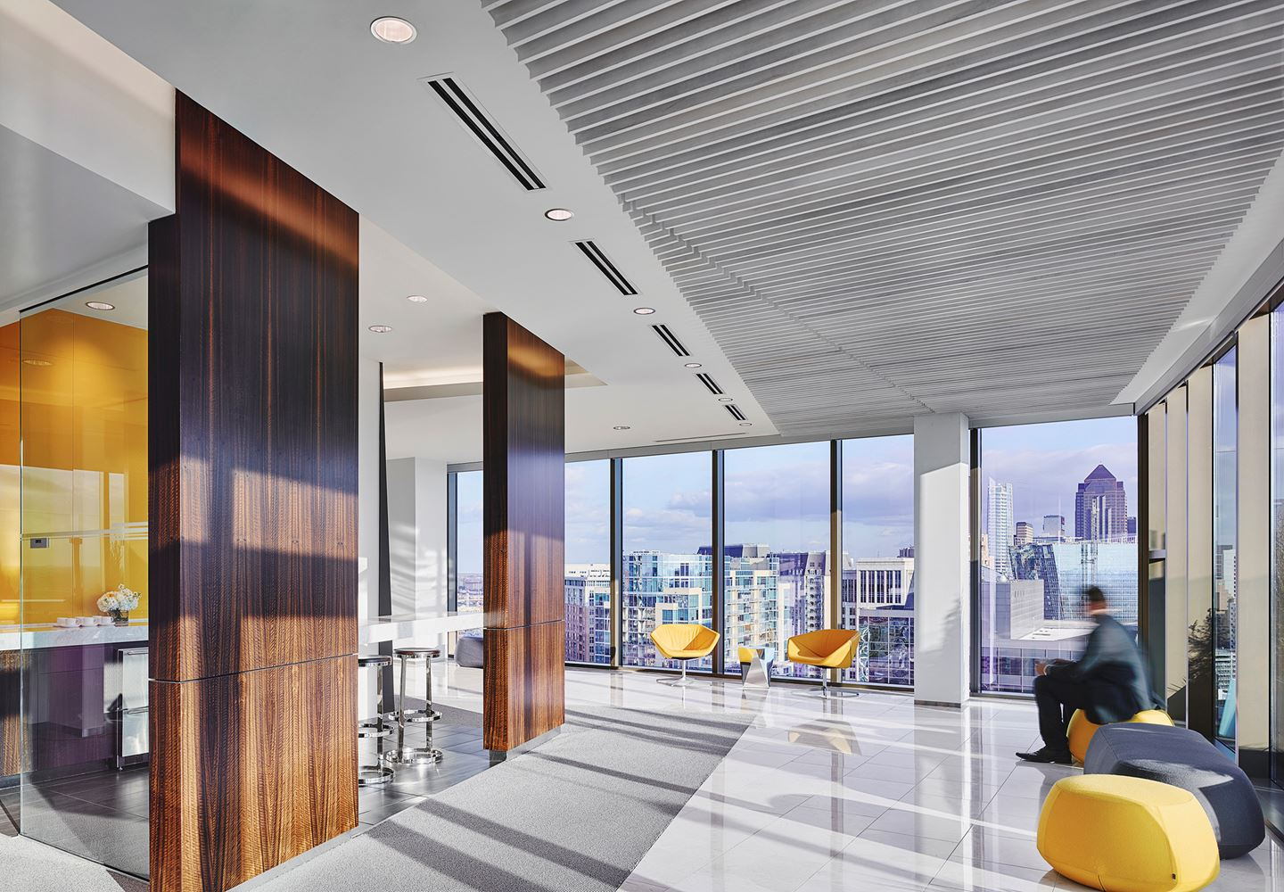 Attirant Polsinelliu0027s New York Office Juxtaposes Contemporary Materials, Fabrics And  Textures With Classic City Views To Create A Forward Looking Home For One  Of The ...
